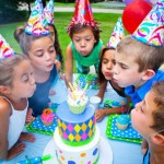 Children love having a big party for just about any reason. Whether it is their birthday, the end of the school year, kids are ready to have a party. It is up to the adults to take care of the kids party hire